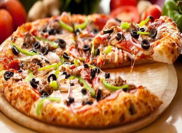 بيتزا-سهلة-بدون-فرن.jpg