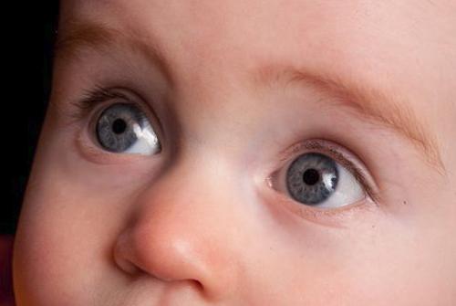 عيون الأطفال