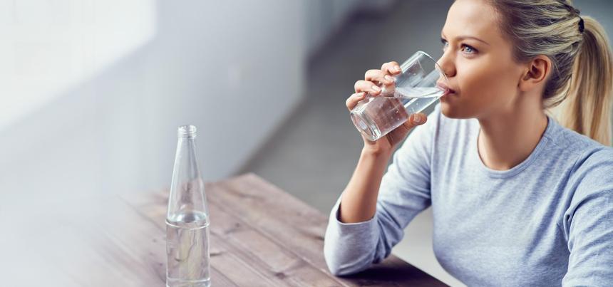شرب مياه.jpg