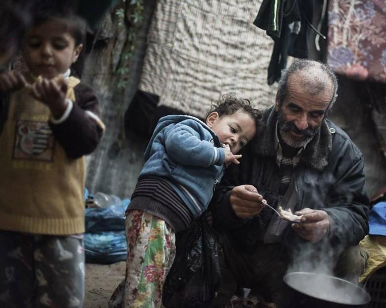 خط الفقر.jpg